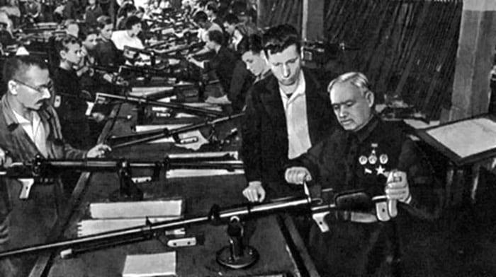 Дягтярев на оружейном заводе