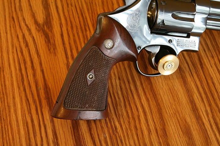 Рукоятка револьвера