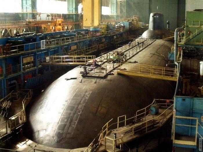 строительство подводной лодки