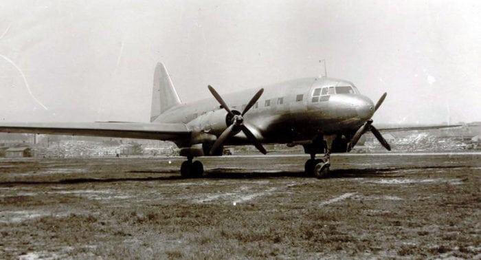 пассажирский самолет Ильюшина Ил-12