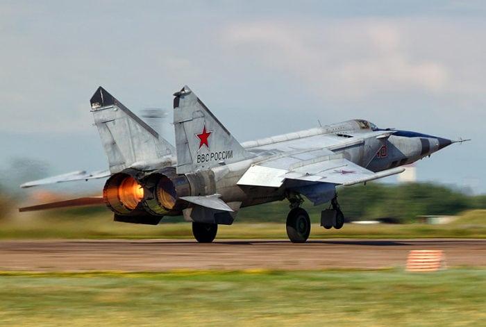 самолет-разведчик Миг -25РБТ