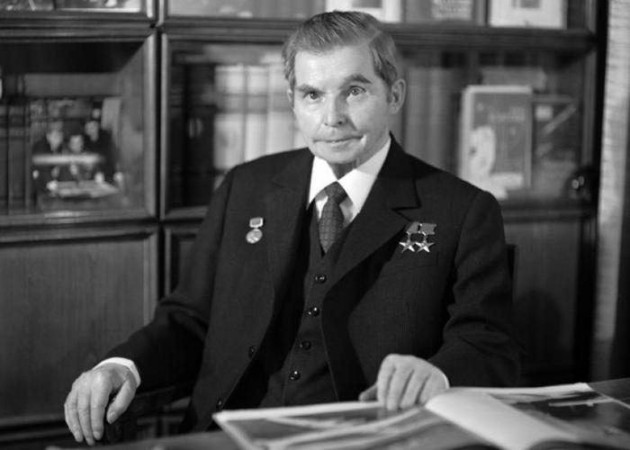 создатель боевых самолетов Ильюшин С.В.