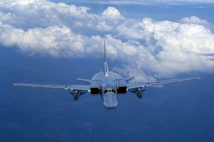 ту-22 в облаках