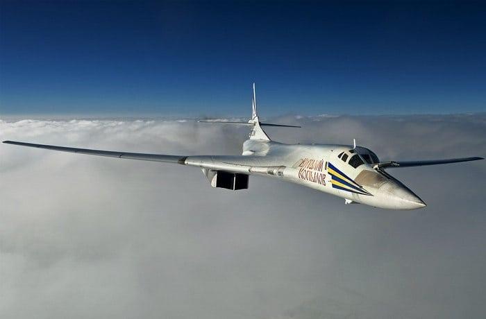 ту-160 в облаках