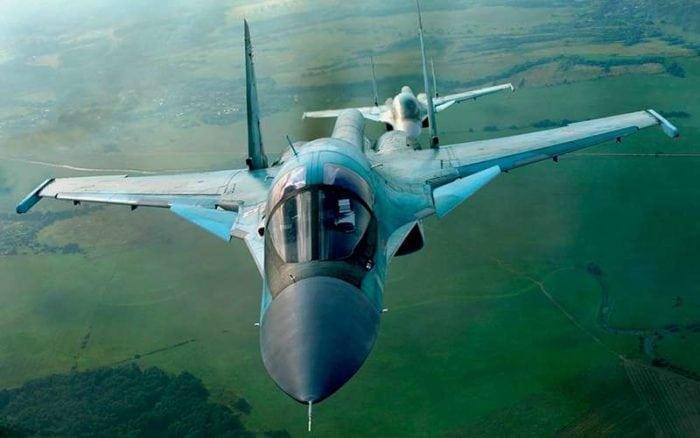 новейший российский бомбардировщик Су-34