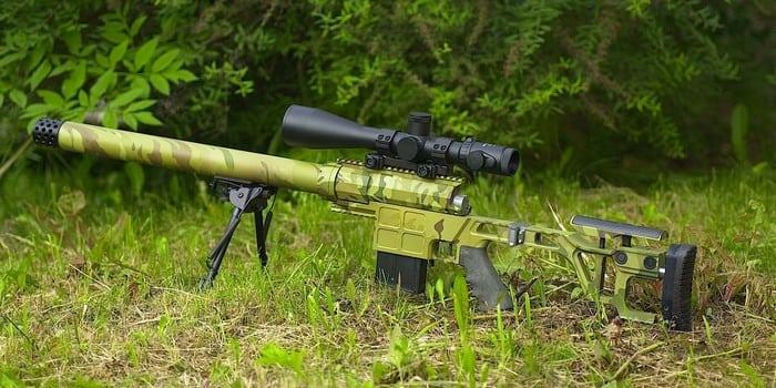 винтовка на траве