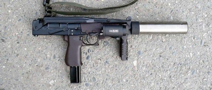 пистолет пулемёт-ср2 с глушителем