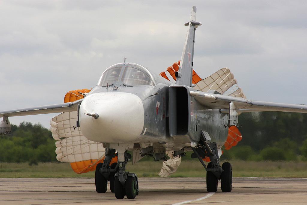 су-24 с парашютом