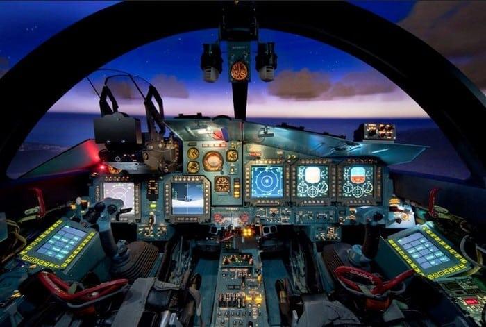 просторная кабина Су-34