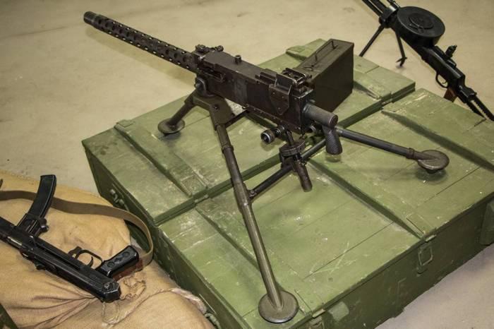 Браунинг M1919 на ящике