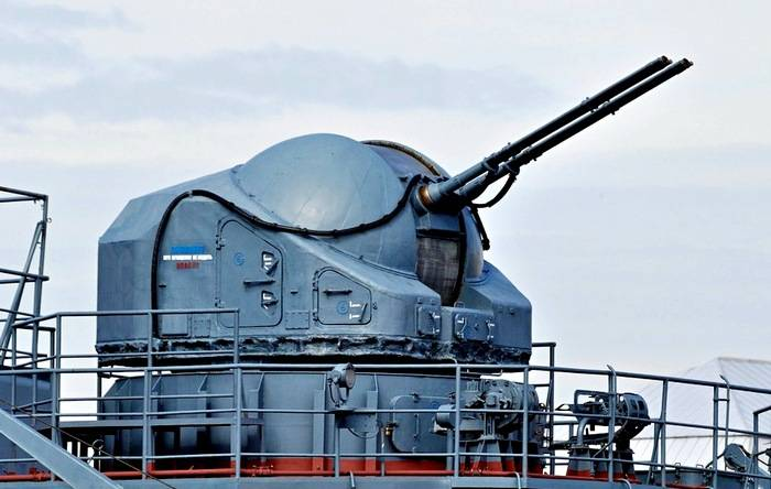 Морская модификация пушки получила название АК-725