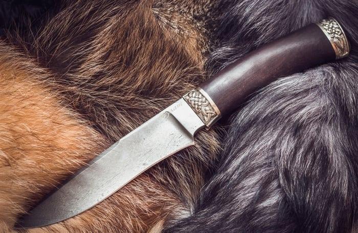 Охотничий нож из булатной стали