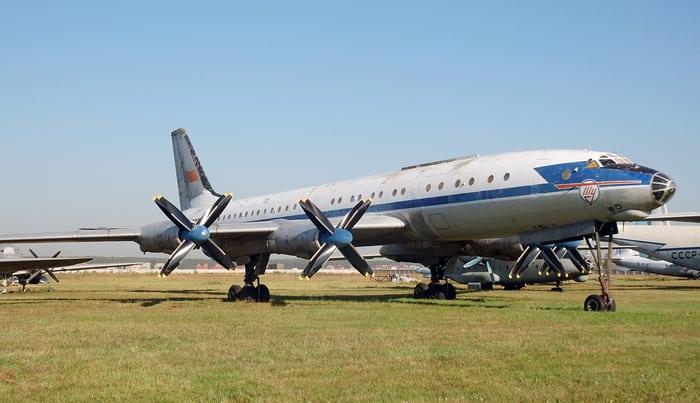 Самолет ту 114