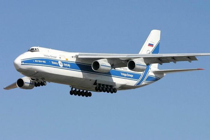 Ан 124 Руслан в полёте