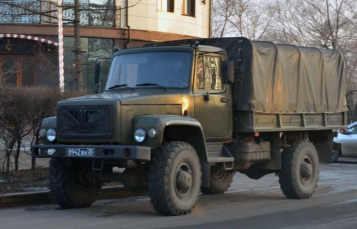 ГАЗ 3308 в городе