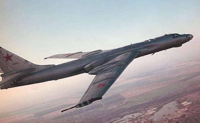 Советский самолет-бомбардировщик Ту-16к