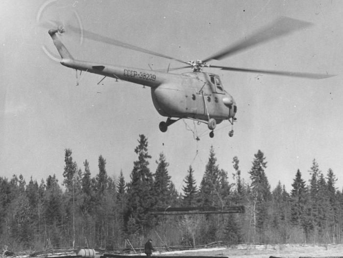 Ми-4 с грузом