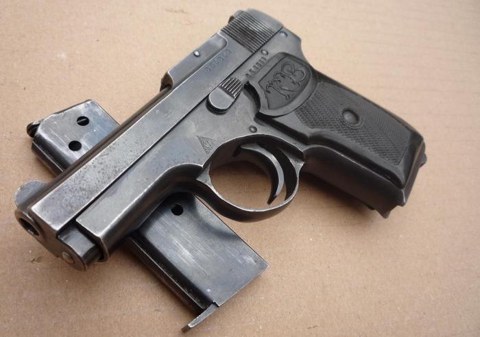 Пистолет ТК и магазин
