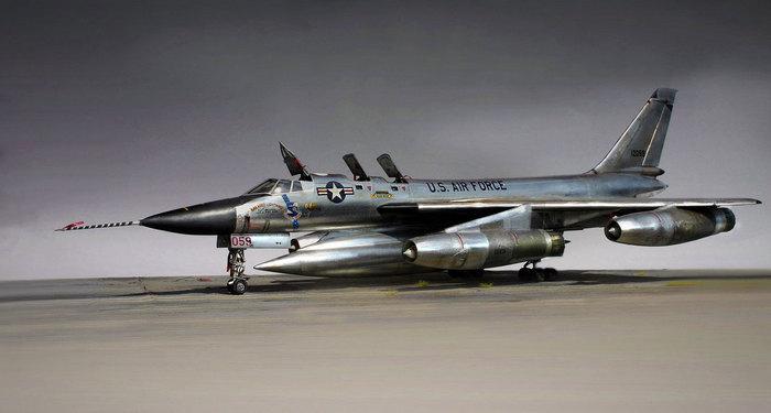 Самолёт B-58 Hustler
