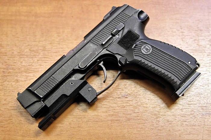 Пистолет ОМОНа