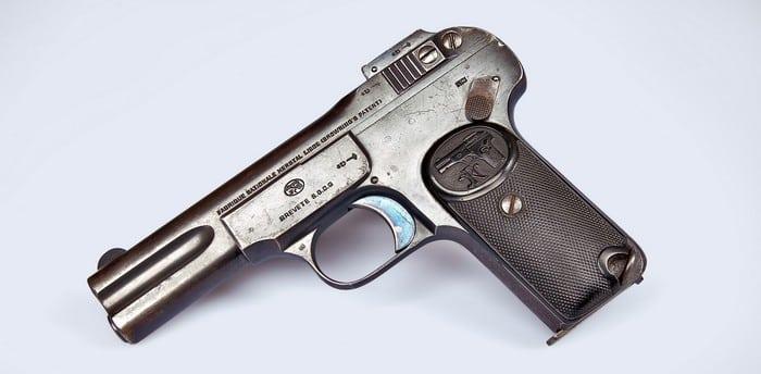 Пистолет 1900 года