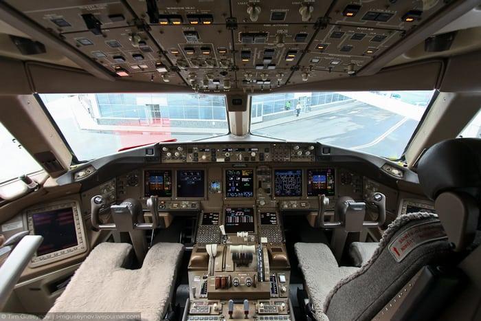 Boeing 777 кабина