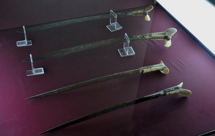 турецкий ятаган в музее