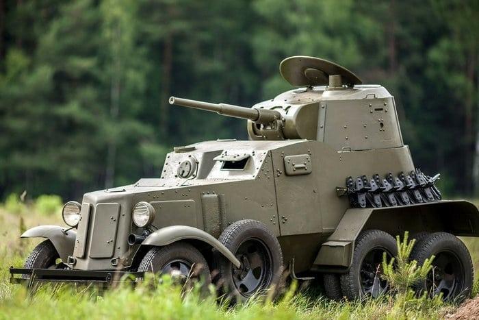 БА-10 броневик