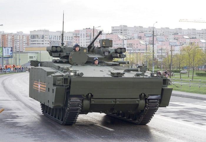 БМП Курганец-25 в городе