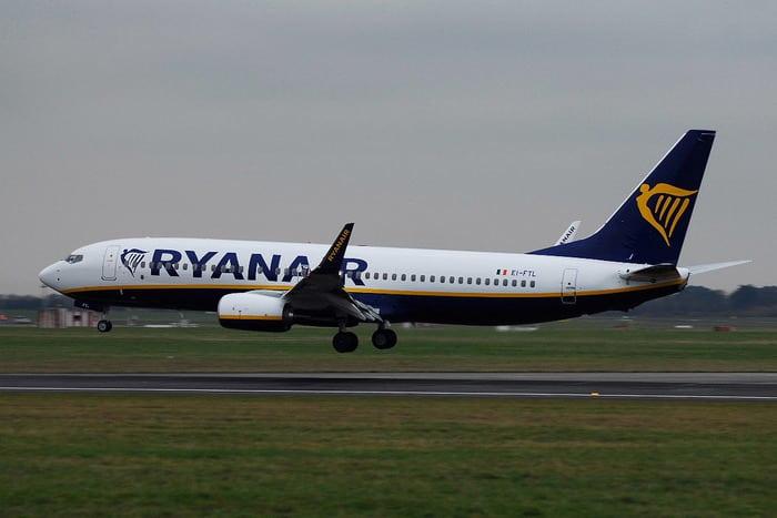 Взлёт Бонг 737-800