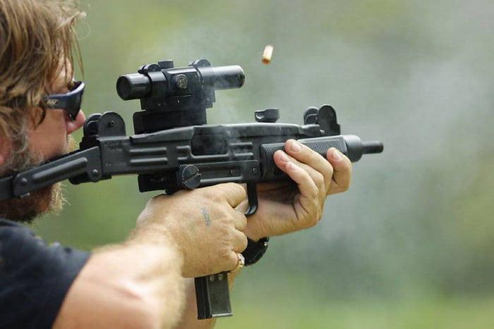 Стрельба из Узи