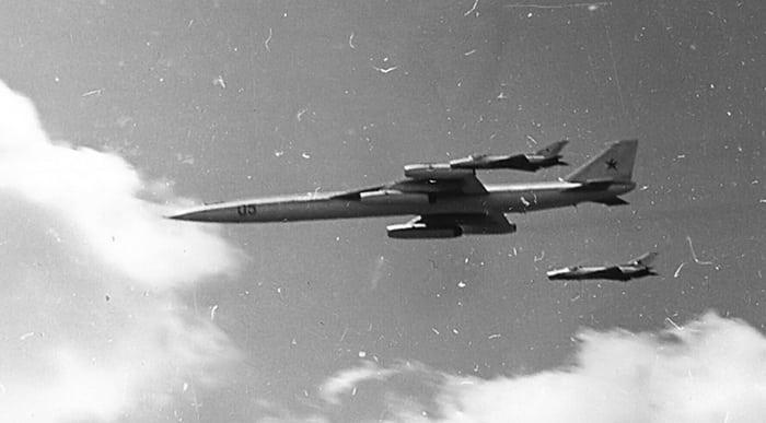 М-50 в полёте