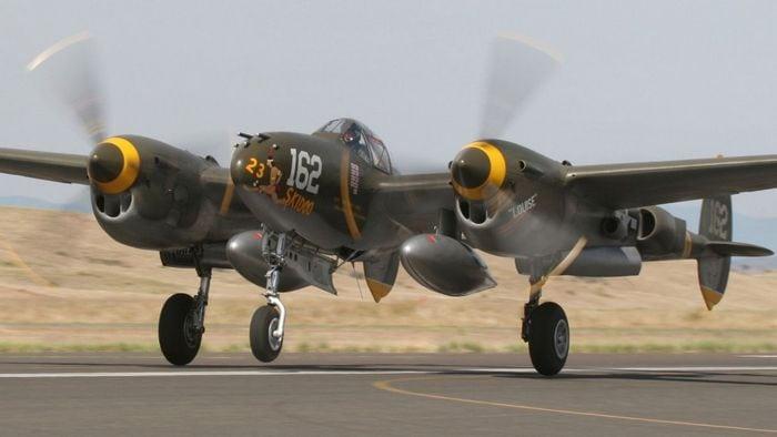 Lockheed P-38 взлёт