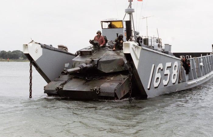 Танк Абрамс морской пехоты