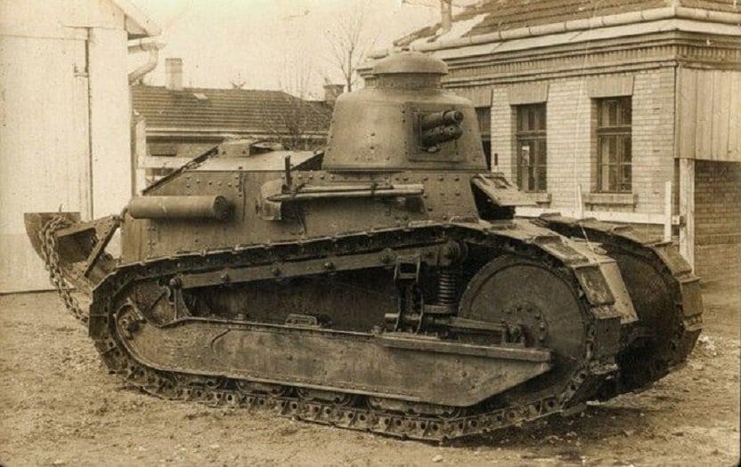 историческая фотография танка т-18