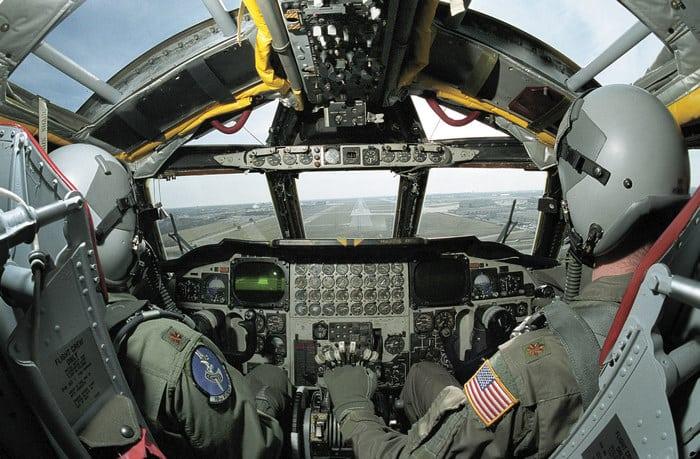Б-52 кабина