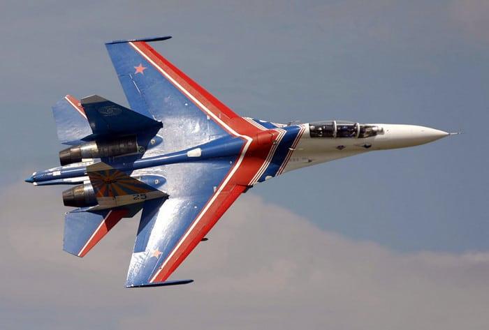 Самолет Су 27