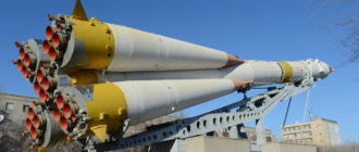 Памятник ракете Р-7