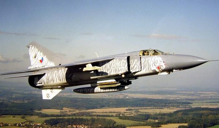 МИГ-23 в небе