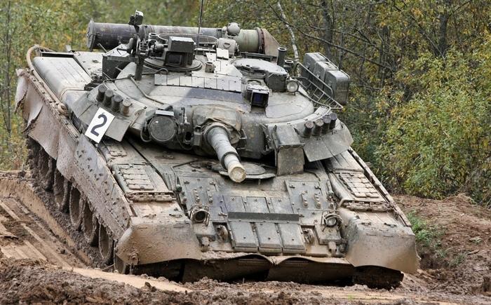 Т-80 в грязи