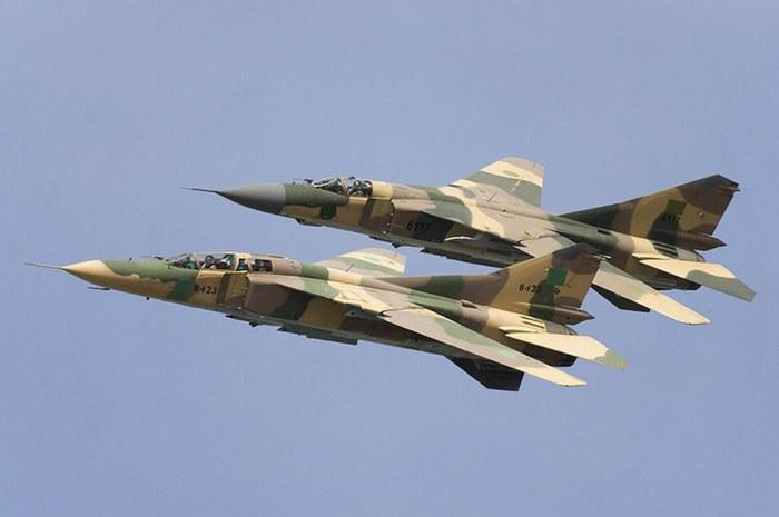 МИГ-23 самолёт