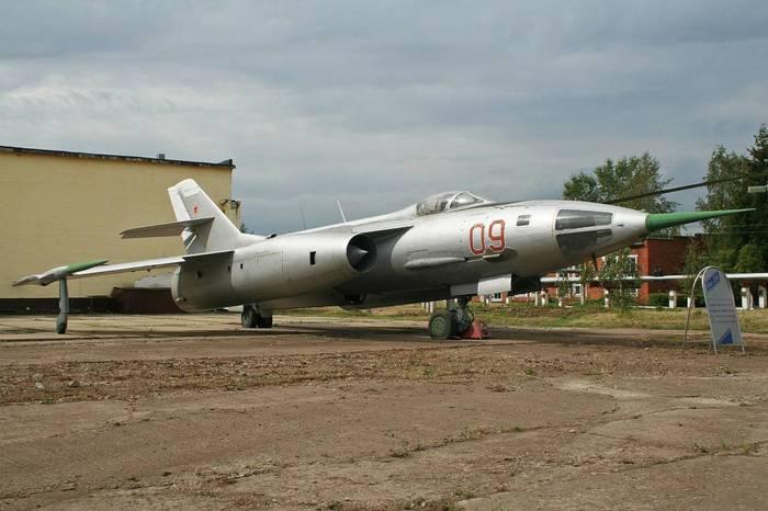 Як-28 первый сверхзвуковой