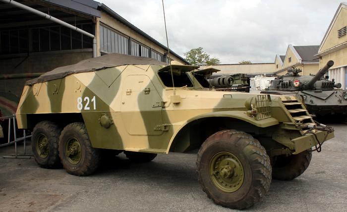 БТР-152 гараж