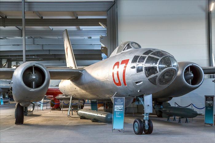 Самолёт Ил-28
