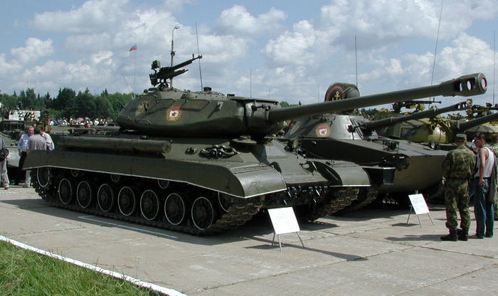 Танк ИС 4