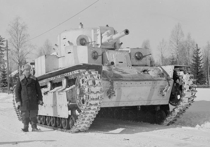 Трехбашенный танк т-28