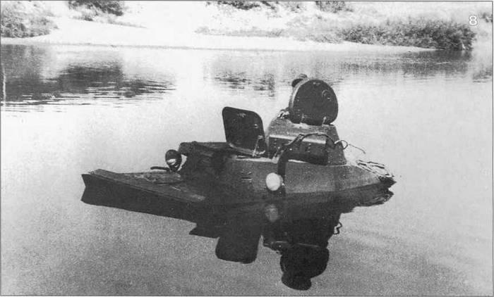 Танк Т-40 в воде