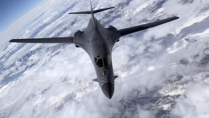 B-1B в небе