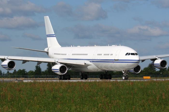 Самолет А-340
